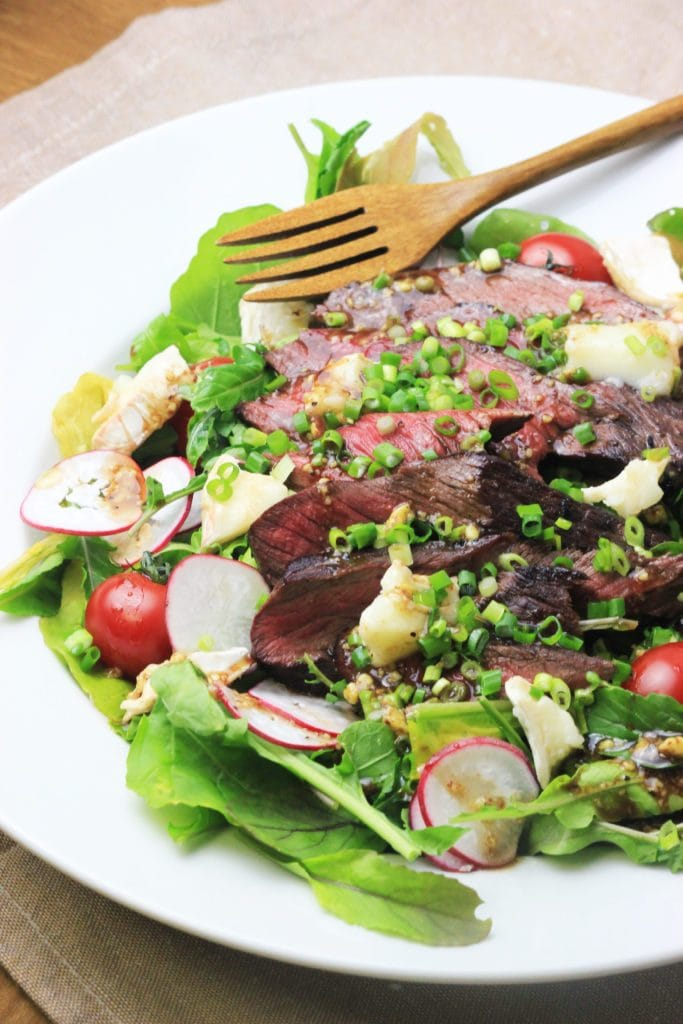 My PCOS Kitchen - Flank Steak & Chevre Arugula Salad - A delicious salad with grilled steak, a balsamic vinaigrette and creamy goat cheese.