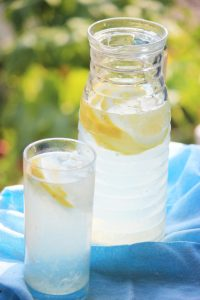 My PCOS Kitchen - Freshly Squeezed Sugar-free Lemonade - A refreshing drink for a hot summer day.