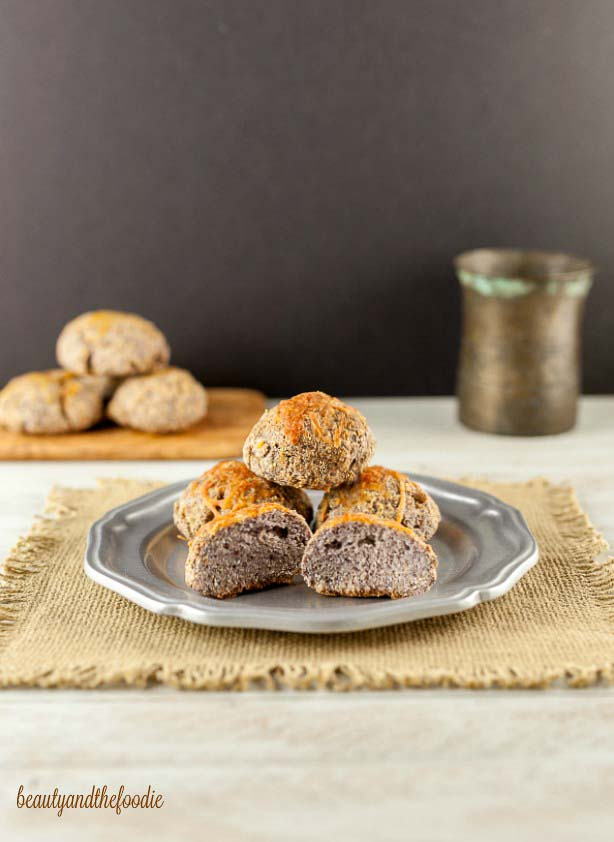 Beauty and the Foodie - Grain Free Butter Top Rolls - Low Carb Keto Psyllium Baked Goods Recipe Round Up