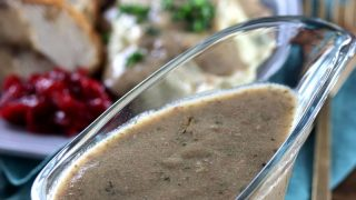 Low Carb Keto Gravy with Turkey Giblets