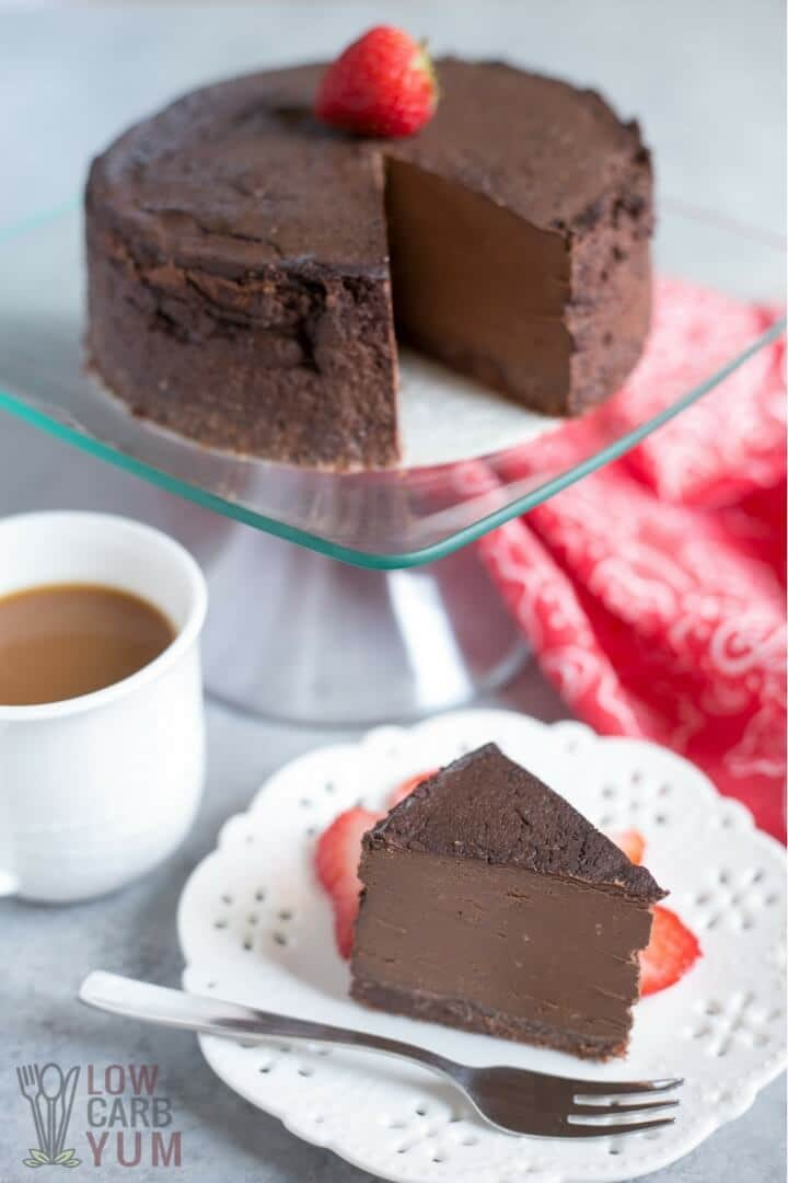 20+ Sugar Free Cheesecake Recipes - My PCOS Kitchen - Delicious Low Carb Cheesecake Recipes that have NO sugar and are all gluten-free! Keto Chocolate Cheesecake in Pressure Cooker - Low Carb Yum